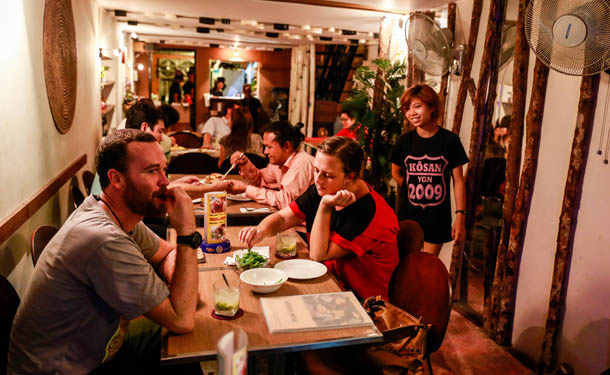 KOSAN CAFE_chinatown