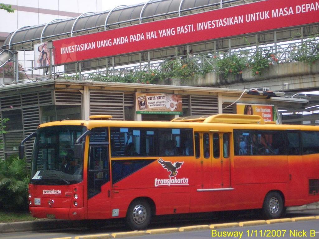 巨大都市ジャカルタの交通手段02