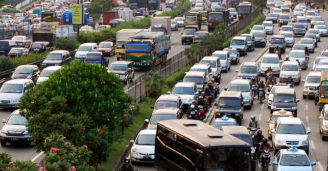 巨大都市ジャカルタの交通手段01