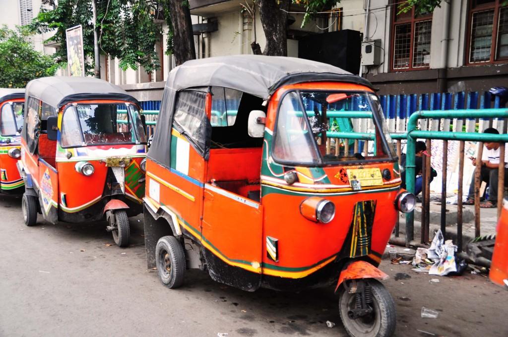 巨大都市ジャカルタの交通手段10