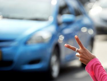 ジャカルタの深刻な交通渋滞が支える貧困システム02