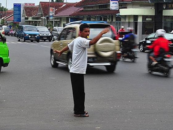 ジャカルタの深刻な渋滞が支える貧困システム05