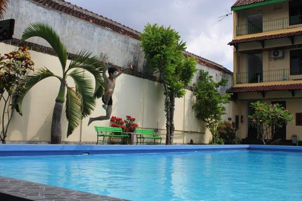 プールのあるインドネシアの宿に泊まりました!