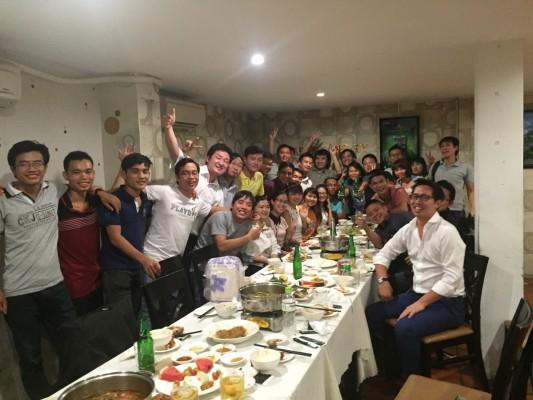 ベトナムホーミン市にあるVietnam Creative Consulting社の定例パーティー。