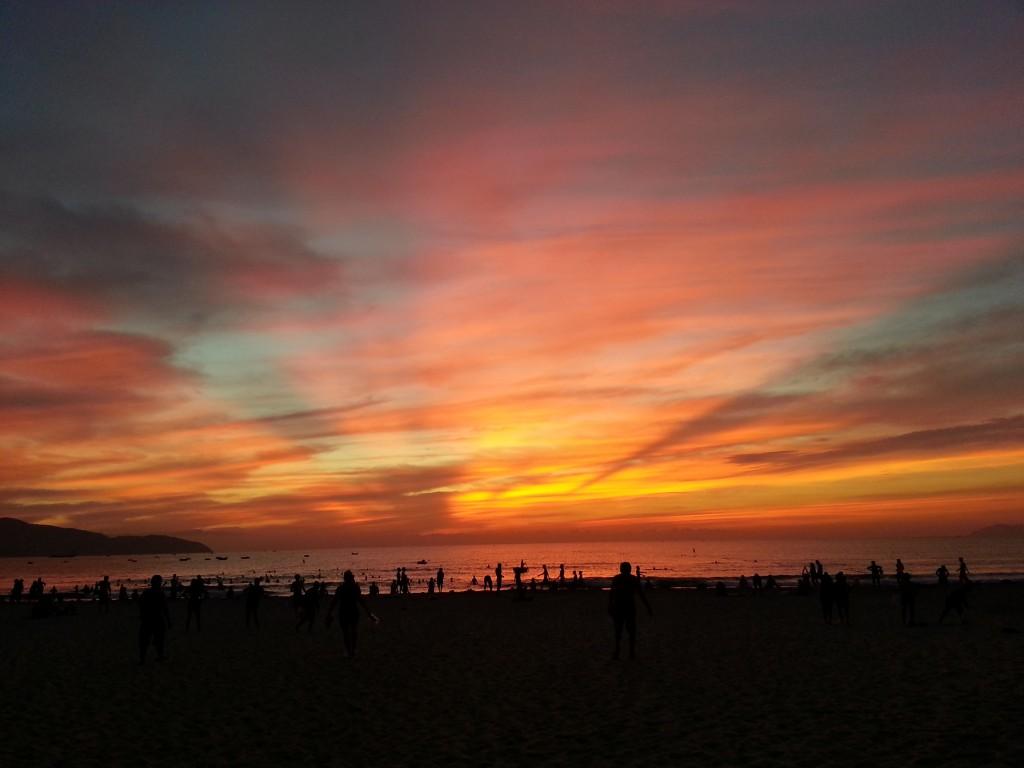 朝焼けのミーケビーチ