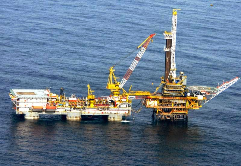 ブルネイ 石油採掘の様子
